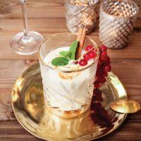 Witte chocolademousse met karamel-zeezoutstroop | koolhydraatarm